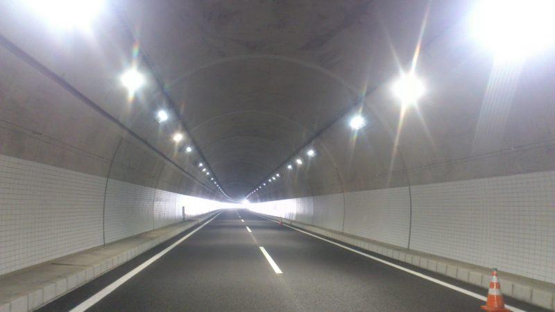 上依知第1トンネルコンクリート剥落防止工事
