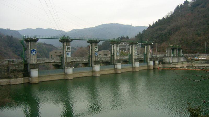 第23号 相模ダム洪水吐ゲート背面塗装工事